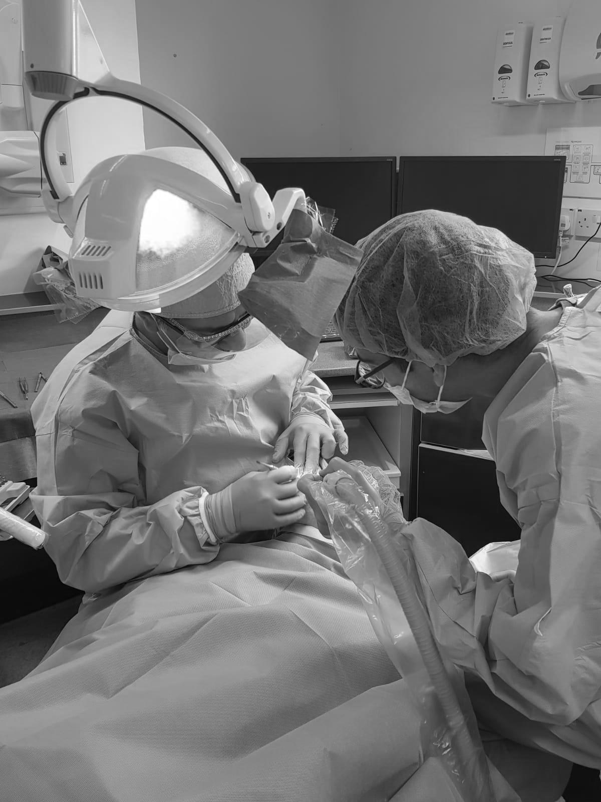 9 Reasons to Choose Dental Implants Image